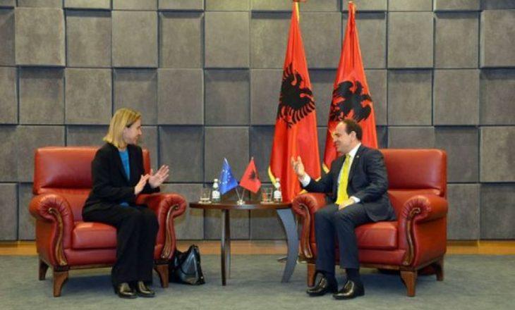 Tirana zyrtare ndërron qëndrim rreth krizës në Maqedoni