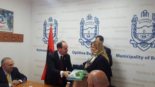 Nishani i ofron mbështetje ish-drejtoreshës së PTK-së e dënuar për keqpërdorim detyre