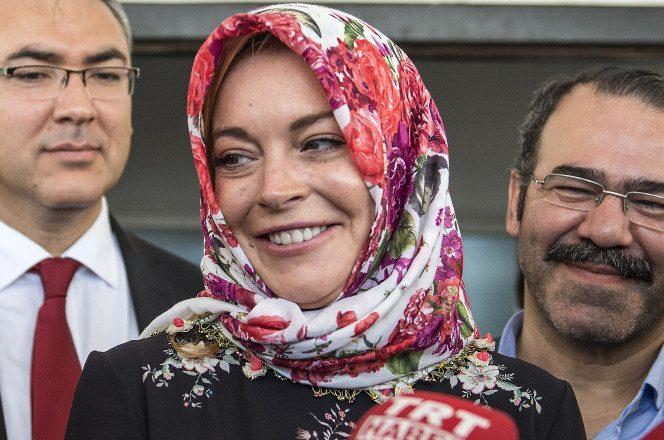 Babai i Lindsay Lohan insiston se bija e tij nuk është myslimane