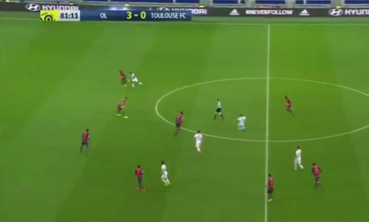 Ish-futbollisti i United realizon supergol nga 50 metra [video]