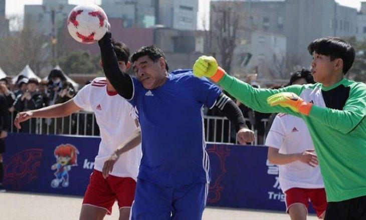 Maradona shënon përsëri me dorë sikur në vitin 1986