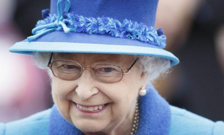 Mbretëresha i jep dritën jeshile ligjit për Brexit