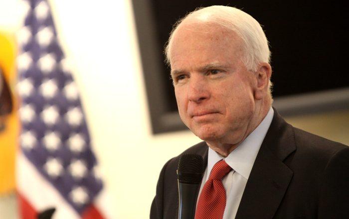 """McCain i kërkon prova Trumpit për """"përgjimin"""" nga Obama"""