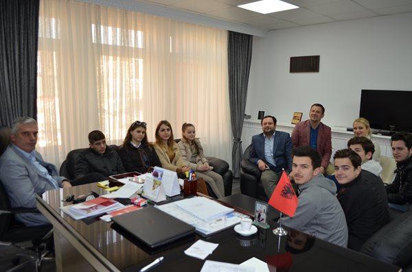 """Sot premierë shfaqja """"Mësuesi"""", për të festuar 7 marsin në Mitrovicë"""