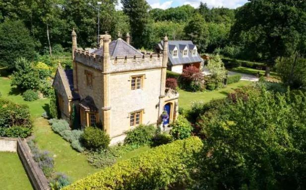 Kështjella më e vogël në Britani shitet për 550 mijë funte