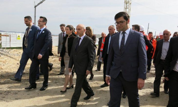 Qeveria rikujton se ka hise në fabrikën e ujit në Prishtinë