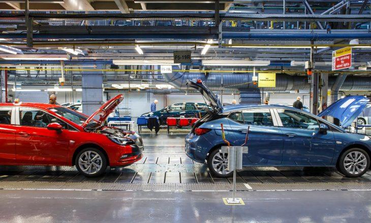 Zyrtare: Peugeot blen kompaninë e makinave, Opel