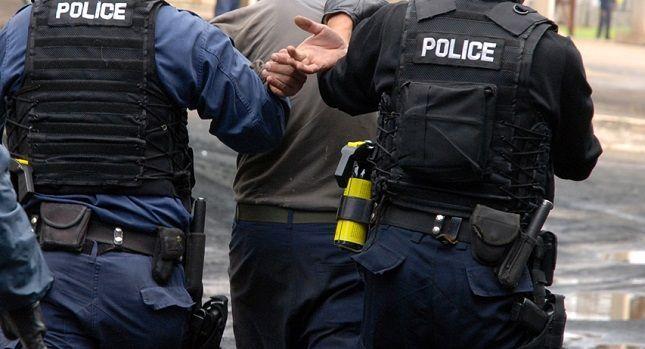 Suspendohet zyrtari policor të cilit iu gjet arma pa leje