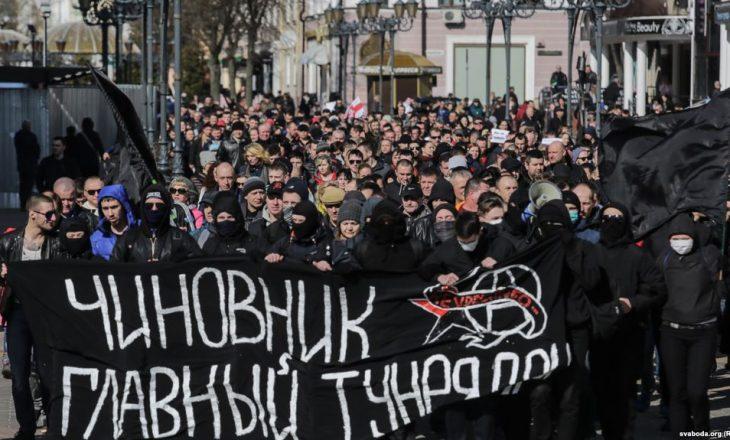 Protestë në Bjellorusi kundër ligjit që detyron të papunët të paguajnë taksë
