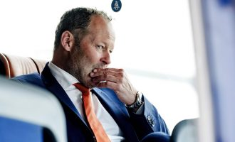 Holanda shkarkon trajnerin pas humbjes në Bullgari