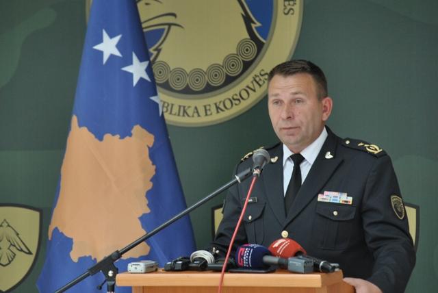Komandanti i FSK-së ndërron fjalët, tash e mbështet iniciativën e Thaçit për ushtrinë