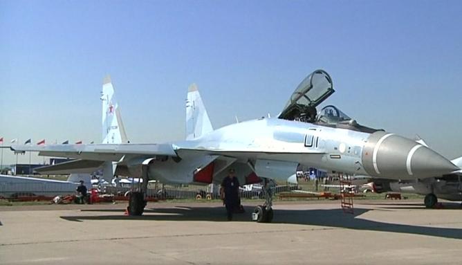 Putini i jep falas Serbisë dhjetëra tanke dhe aeroplanë luftarakë
