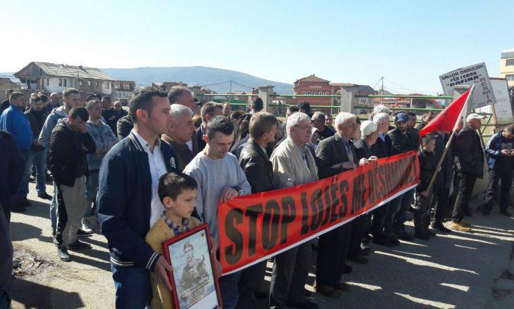 Ramiz Lladrovci përballet me protestën e parë, i kërkohet ta ndërrojë emrin e rrugës së një fshati