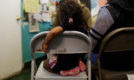 Emigrimi i paligjshëm, Trump do të ndajë gratë nga fëmijët