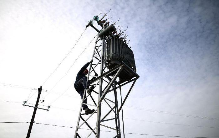 Investimet e KEDS në rrjetin elektrik në Podujevë po vazhdojnë