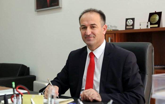 Rektori Ramë Vataj dënohet për punësime të paligjshme