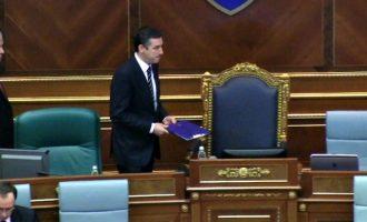 Veseli del i painformuar për Kuvendin duke dashur të tregohet popullist para zgjedhjeve