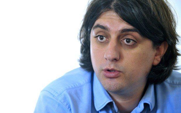 Deputeti shqiptar i LSDM-së: Nuk mundemi që ta vendosim shqipën në monedha e uniforma