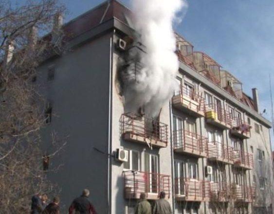 Përfshihet nga zjarri një apartament në veri të Mitrovicës