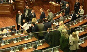 Opozita fillon koordinimin për mocionin e mosbesimit ndaj Qeverisë