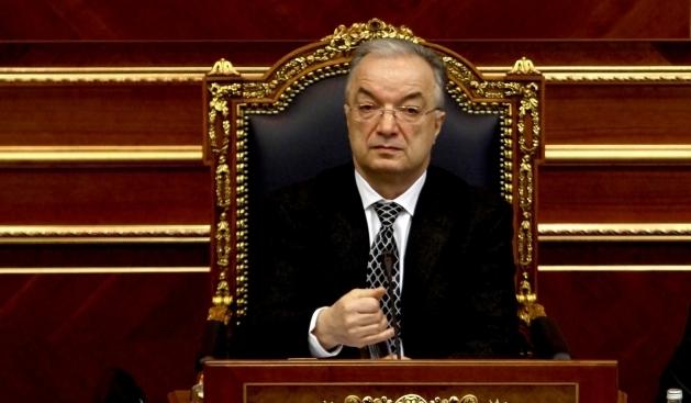 """""""A do me të qitë jashtë. Rri qaty mirë je"""", Xhavit Haliti ia ndal fjalën deputetit të Vetëvendosjes"""