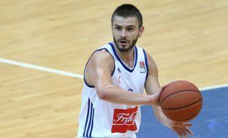 """""""Unë s'kam pasur faj"""" – Berisha rrëfen """"përleshjen"""" me basketbollistin e Shqipërisë"""