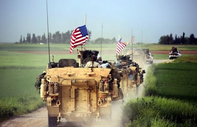 Amerika demonstron forcën në kufirin Siri Turqi