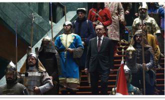 """Rrugëtimi i Erdoganit në fronin e """"Sulltanit të ri"""" të Turqisë filloi duke shitur limonada"""