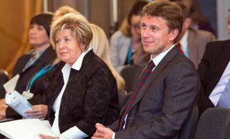 Dyshime se Putin po shfrytëzon burrin e ish-gruas së tij për shpëlarje parash