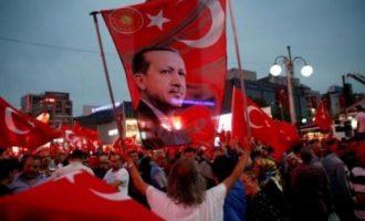 Referendumi në Turqi festohet në Shkup – qindra qytetarë festojnë për Erdoganin
