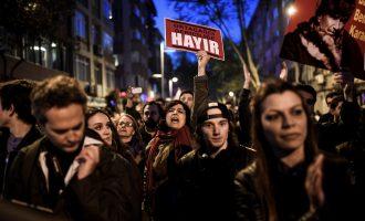 Shteti arreston dhjetëra protestues, por protestat kundër Erdoganit po rriten