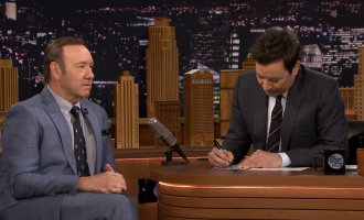Kevin Spacey bëhet shqiptar tek Jimmy Fallon