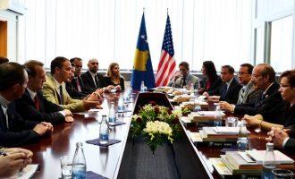 Ministria e Punëve të Jashtme shpenzon 7 mijë euro në trëndafila dhe karafila
