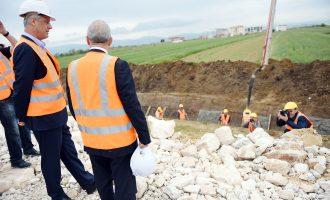 Thaçi mburret në SHBA: Ndërtuam 800 kilometra autostradë pa asnjë cent borxh