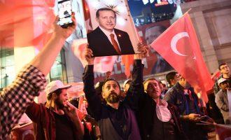 """Përfundon numërimi: mbi 24 milionë turq votuan """"pro"""" ndryshimeve kushtetuese"""