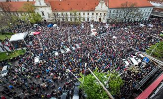 Studentët sllovak okupojnë Bratislavën – kundër korrupsionit