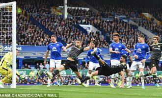 """Chelsea """"zgjohet"""" në pjesën e dytë dhe mposht Everton"""