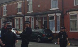 13 të arrestuar për sulmin e përgjakshëm në Mançester
