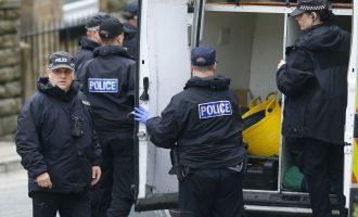99 vjet burg për shqiptarët në Angli