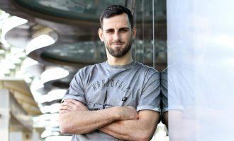 """Mavraj për """"Bild"""": Mund të blej Rolex, por i ndihmoj të varfrit në Shqipëri"""
