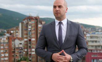 Lista Serbe nisë fushatën duke festuar betimin e Vuçiqit si president