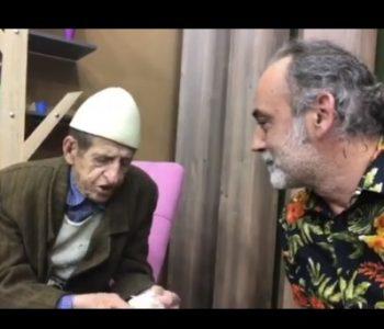 Shkumbin Istrefi tallet me kolegun e tij politikan Adem Mikullovci