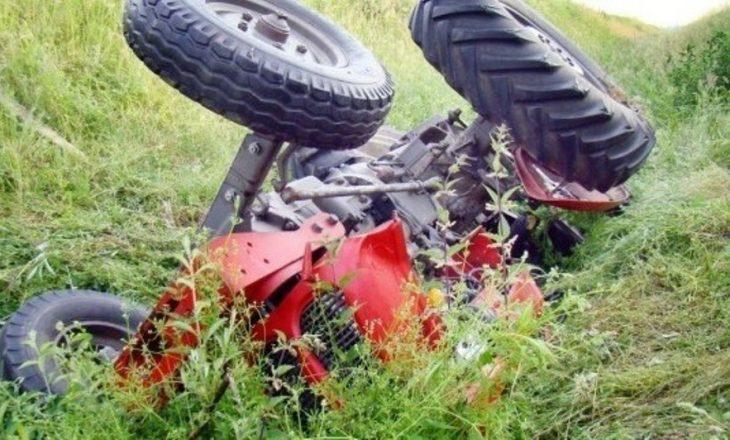 Përplaset nga traktori, ndërron jetë 76-vjeçari