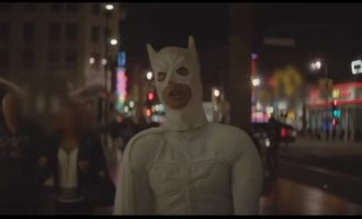Jaden Smith sjellë Batmanin e bardhë