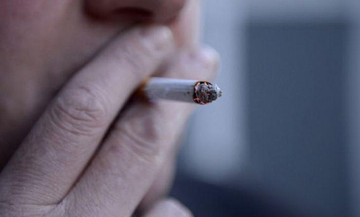 Pasi diagnostikohet me kancer në fyt, vret shokun që i mësoi duhanin