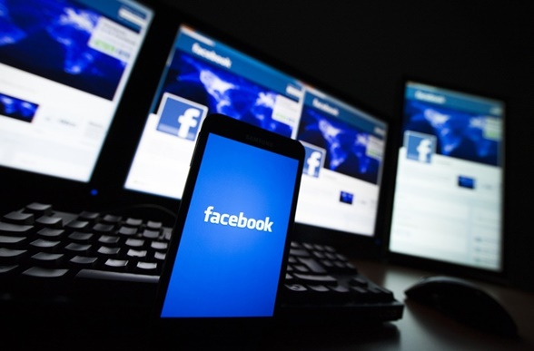 "Facebook teston tematikat e personalizuara në ""news feed"""