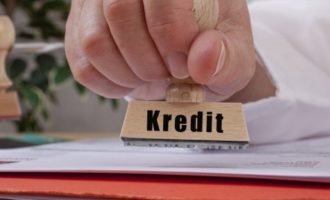 Mbi 2.5 miliardë euro vlera e kredive të qytetarëve