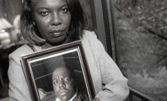 Nëna e B.I.G. akuzon motrat Kardashian për përdorim të fotografisë së birit