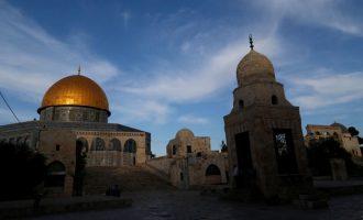 Myslimanët nën 50 vjet nuk mund ta vizitojnë vendin e shenjtë në Jerusalem
