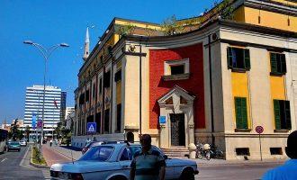 Bashkia e Tiranës shkarkon tre krerë drejtorish